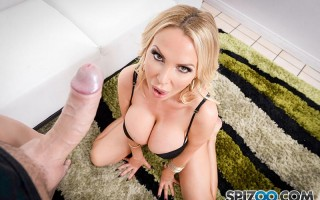 Nikki Benz sucks everything off