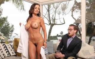 Lisa Ann in Seduction For Sport