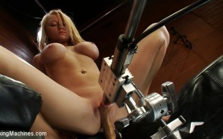 Spread out and sexy, Madison Scott shows off her Olympic fucking prowess as she squirts all over the Sybian and gets drilled by the Little Guy.
