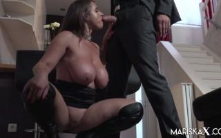 Big Boobed Sexy-Susi pays the Bailiff