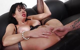 WANKZ- Mr Pete Fists Veronica Avluv