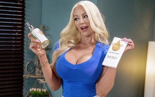 Busty MILF masseuse Nicolette Shea can't contain herself
