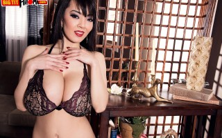 Lady in red Hitomi Tanaka strips for us