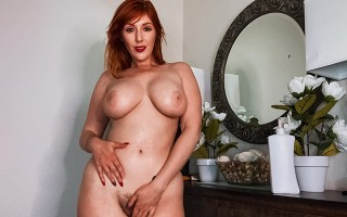 A home que busty redhead babe Lauren Phillips