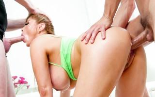 Asian MILF Kianna Dior workout threesome