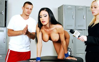 It's no secret that superstar basketball player Jessica Jaymes knows how to get it done on the court, but it's in the locker room where the magic really happens. She credits her success to her trainer, Mr. Pete, and even demonstrates for a reporter just e