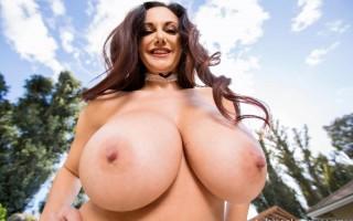 Santa brought Ava Addams big titties for Christmas