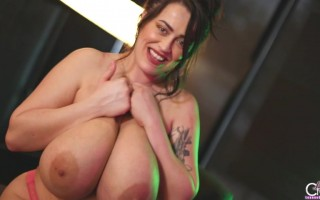 Leanne Crow getting kinky to show her big natural breasts