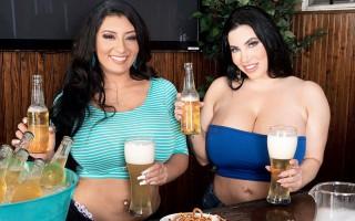 Curvy bimbos Korina Kova and Selena Adams