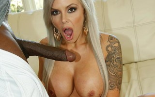Cheating wife Nina Elle is out for a big black dong