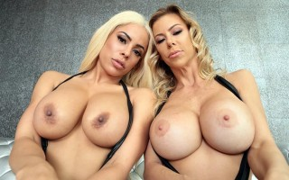 Squirting busty blondes babes Luna Star & Alexis