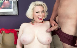 Pale blonde Goldie Ray loves to fuck hard