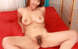 Horny Jasmine Rose Rides The Sybian With Her Hairy Pussy