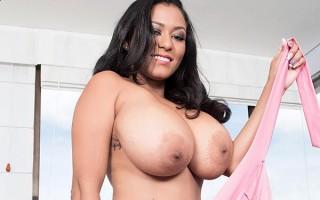 Big boobed camgirl Shanie Gaviria in pink