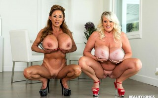 Minka & Kayla Kleevage Jiggling Their Jugs