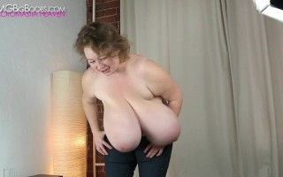 Lily Dream Boobs Loud Heavy Breasts