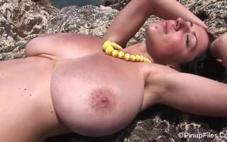 Anya Zenkova Green Tee Beach