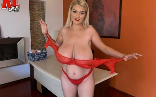 At home with curvy babe Erin Star
