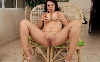 Breakfast with Joana Bliss messy tits