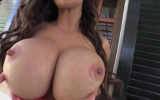 Sweet Busty Linsey Dawn Mckenzie Loves To Pinch Her Nipples