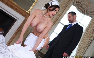 The hotel got five stars in all the travel-guides, but Jay can't figure out why. It all makes sense when the naked-maid Aletta Ocean strolls in with her big tits out. In this joint, springing for the full-service package includes a little personal attenti