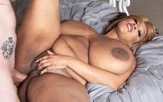 Africa Sexxx: Huge Tits & Anal
