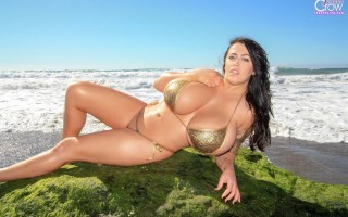 Leanne Crow Solid Gold BTS Set at the beach