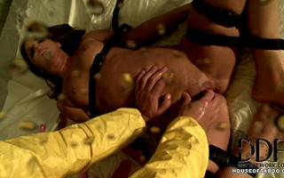Amirah gushes her hot sweet nectar for Bruno and his fingers