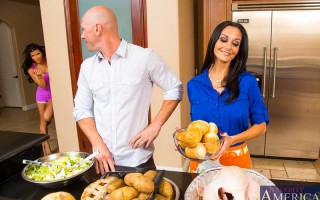 Johnny and Romi came over to Johnny's friend's place to celebrate Thanksgiving with his family. Ava is already in the kitchen prepping the food while her son has went to the store to gather some last minute things. Ava thanks them for wanting to