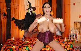 Busty babe Shione Cooper's Halloween toying with a dildo