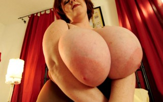 Lucious plumper Sapphire is savouring a hard throbbing cock down her throat