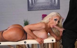 Hot bimbo Nicolette Shea Massaged On The Job