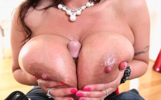 Eva Notty's insanely huge breast captures a cock in POV !