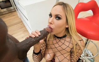 Olivia Austin tries to tame Mandingo's huge 14 inch dick