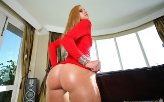 12 pics and 1 movie of Jessie from Monster Curves