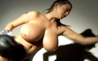 Big tit Linsey in bare-busted boxing