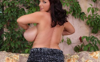 Busty Legend Joanna Bliss Teases with her Ample 36H Cleavage