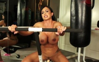 Jewels Jade gets some cardio in at the gym, she loves the way this particular machine pumps up her biceps, back and abs.
