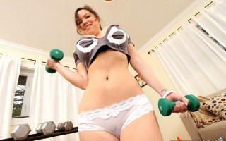 Audrina agreed to a photo shoot, but Ills and Levi had a better idea. They got her working out, all hot and sweaty, and after consistent tries, Levi eventually pressed the right button. Audrina gave us an amazing show, as she worked out. Soon the sweatpan